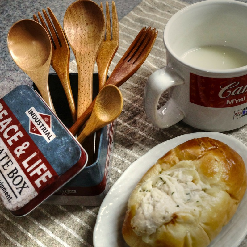 モーニング~パンとホット・ミルクの色彩