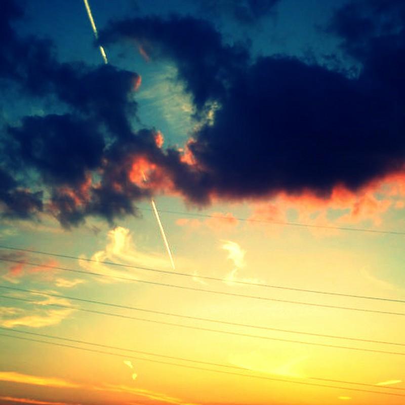 夕焼けに一直線