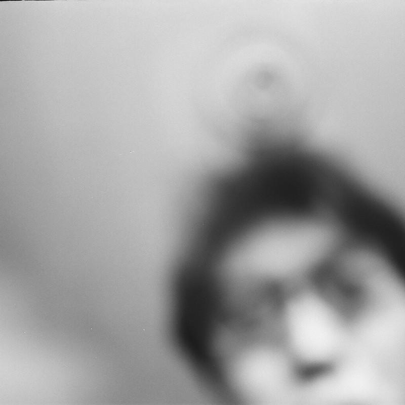 後玉による不明瞭な自画像