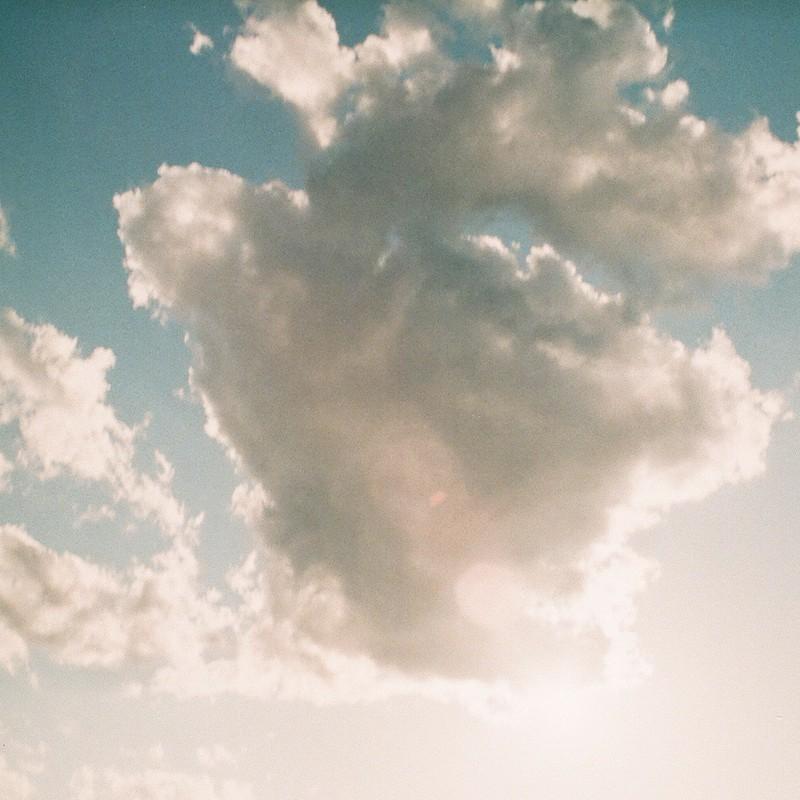 雲を眺めながら