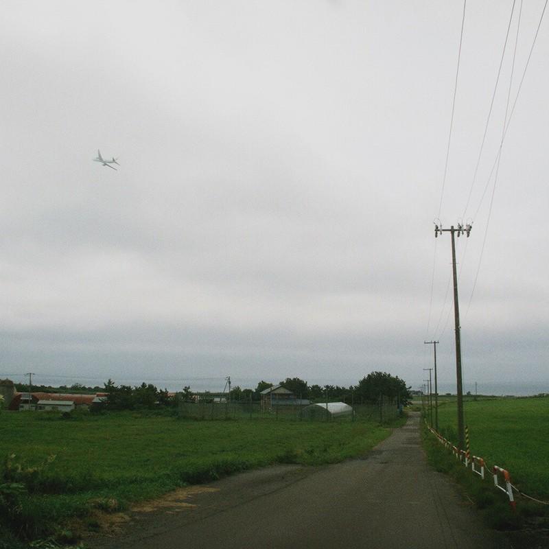 晴も曇も空は空