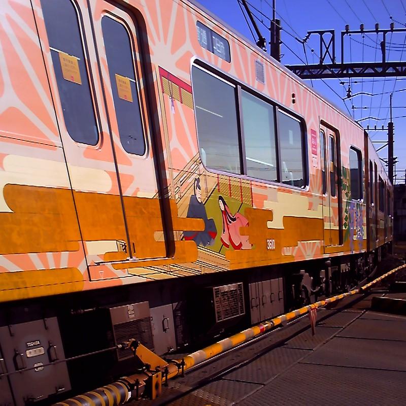 ピンクの電車。