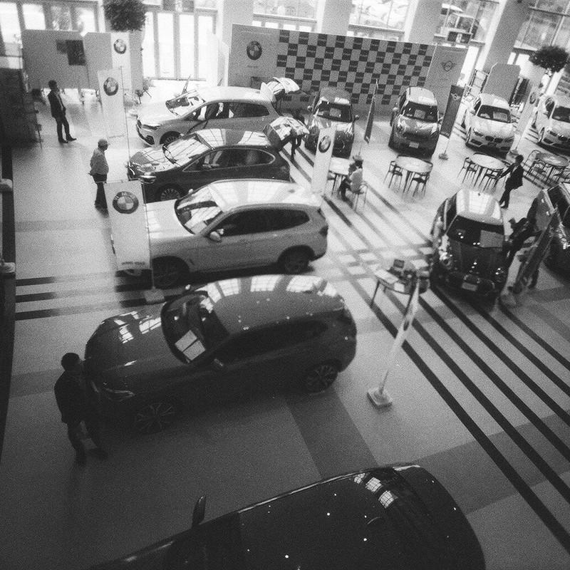 車たくさん。