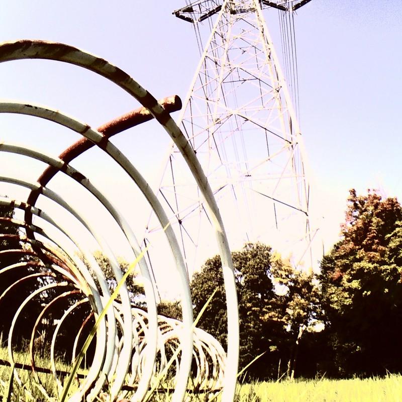 鉄塔とぐるぐる。