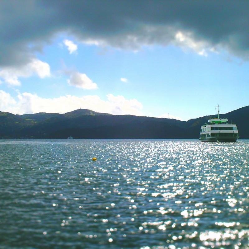 遊覧船とキラキラ。