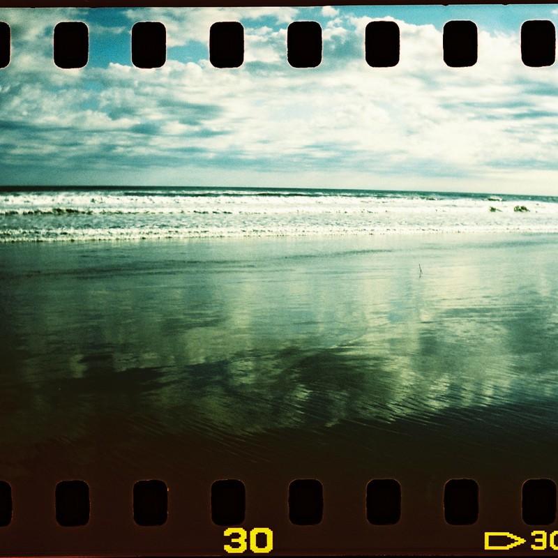 砂浜でアイをミツケル2