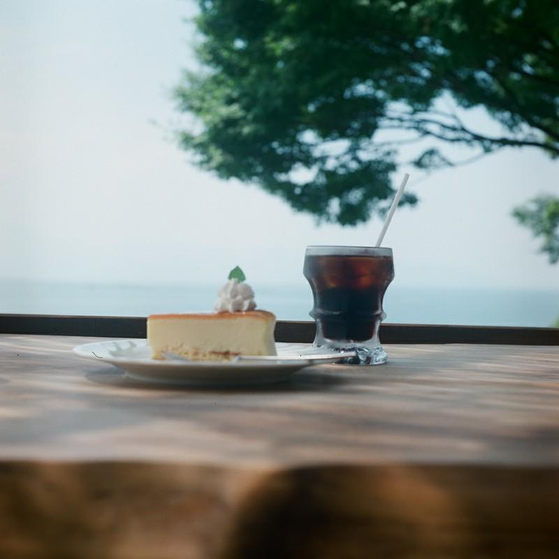 湖畔のカフェ