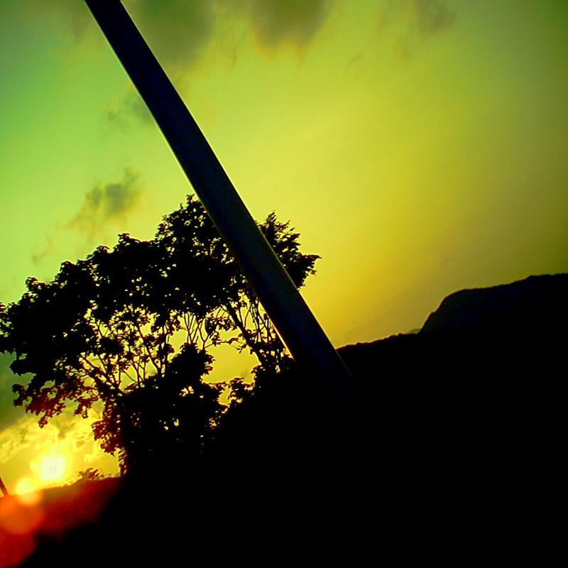 落ちる太陽=影絵=