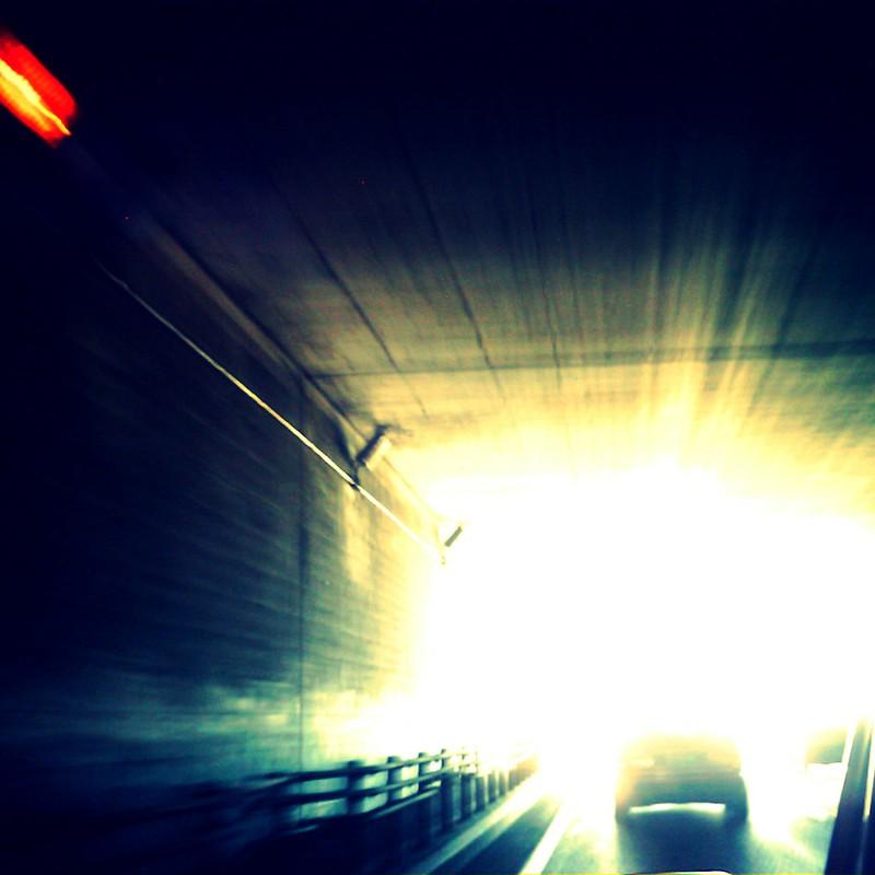 光の差す方へ