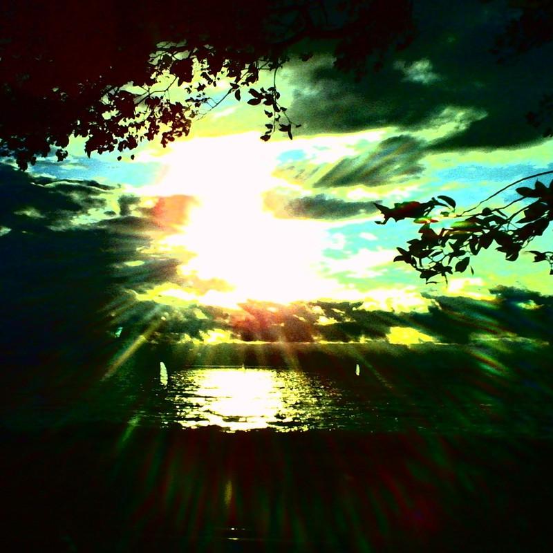 時雨の湖畔 2