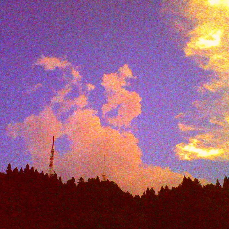 雲と鉄塔兄弟