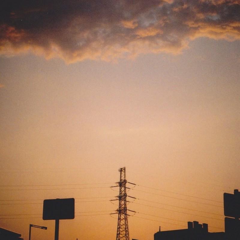 夕焼け空にシルエット