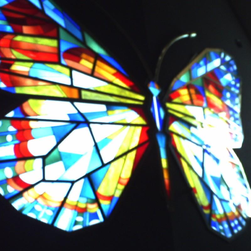 ステンドグラスの蝶