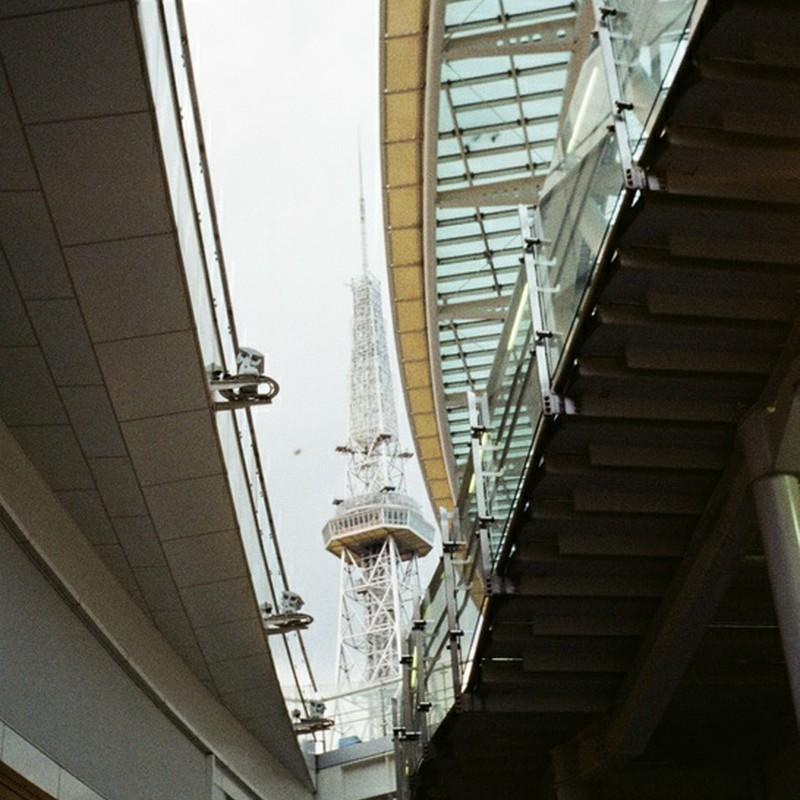地下から見えたテレビ塔