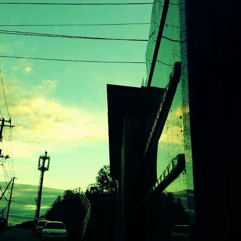 雨上がりの帰り道。