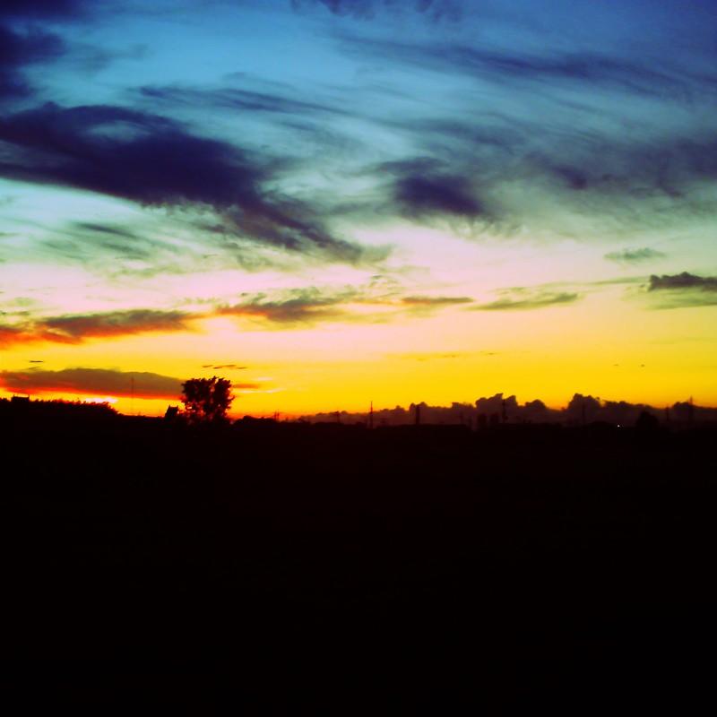 空と夜の境