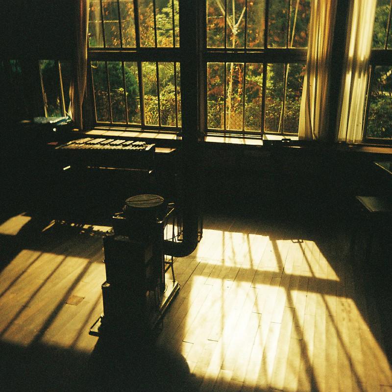 窓を見る (出先・旅先)