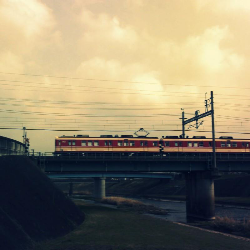 電車が通ったら帰ろう