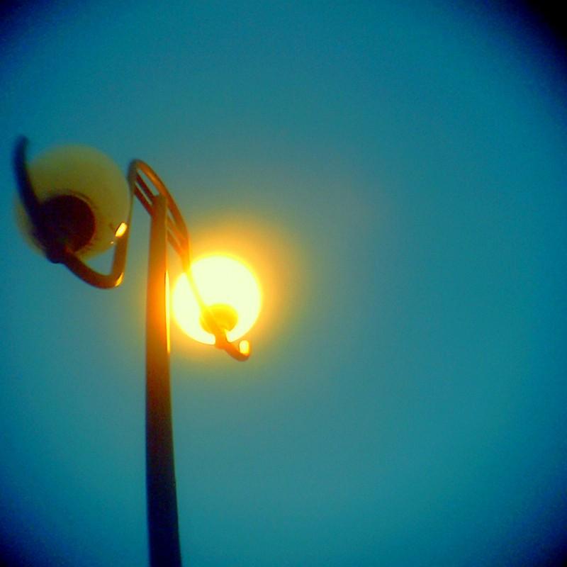 かたっぽだけの 灯り