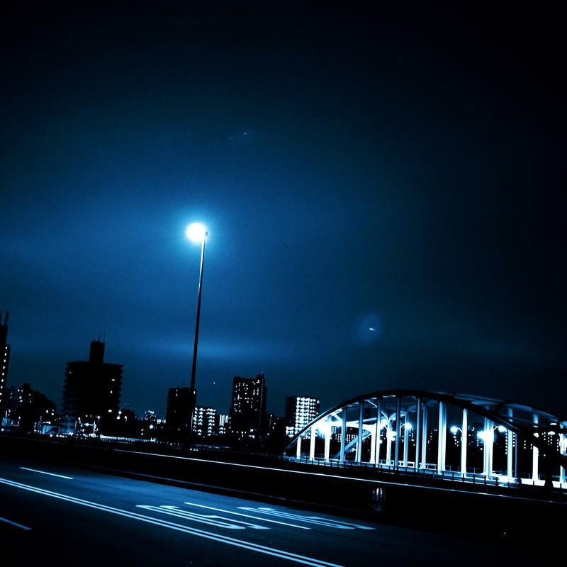 blue black night2