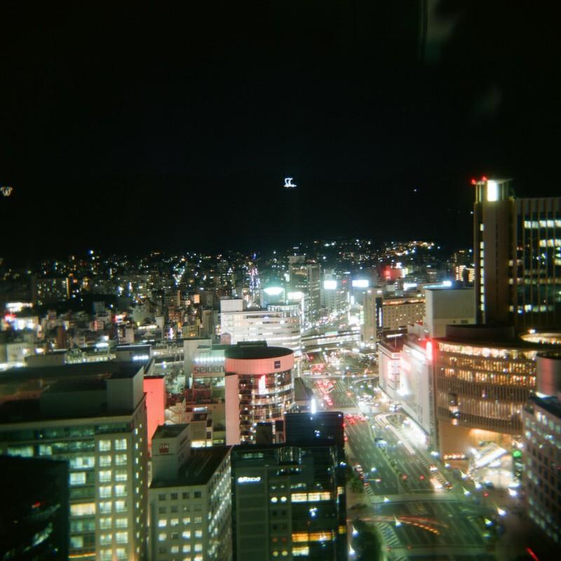 夜の神戸をHOLGA120で