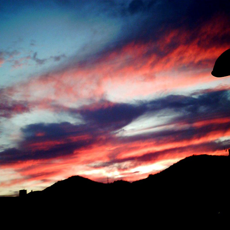赤と青の夕暮れ