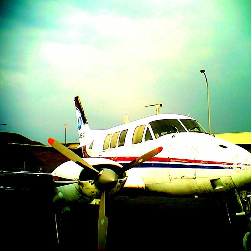 飛べない飛行機