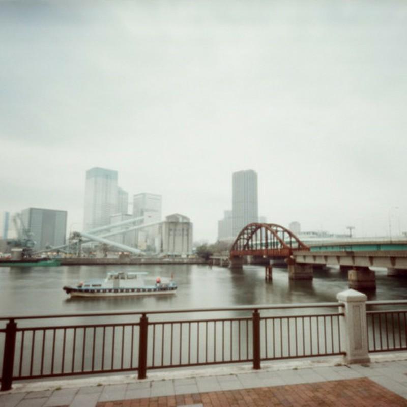 船と鉄橋2