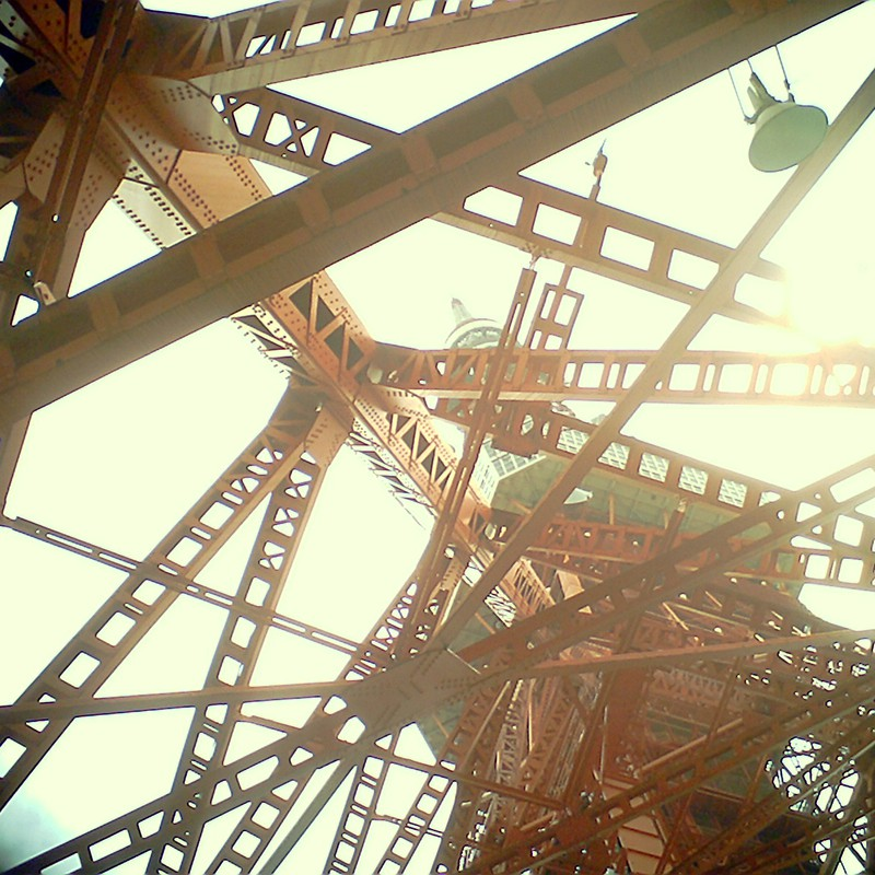 老電波塔の見る夢