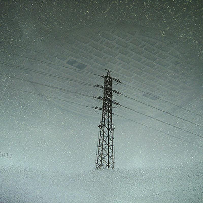 梅雨電線雪景色