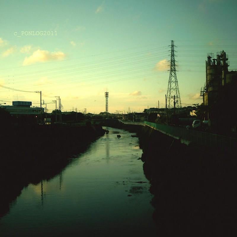 柏尾川の夕暮れ