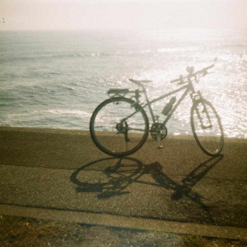 愛車と冬の海