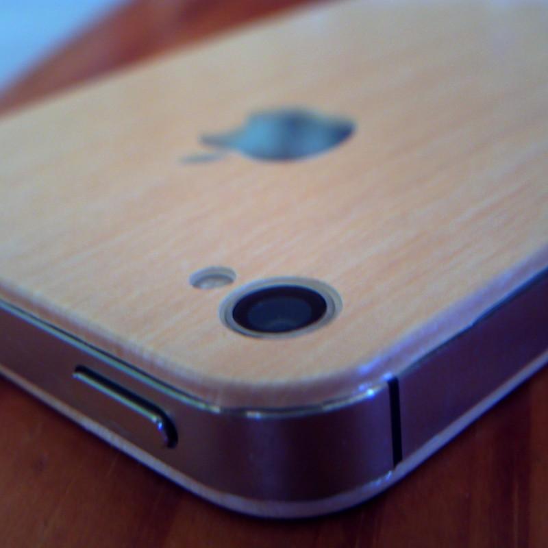 新発売!木製iPhone4s( ̄ー ̄)ニヤリッ