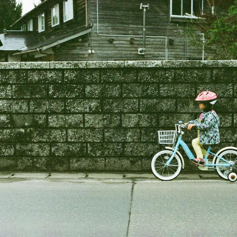 リンリン♪自転車がとおる。