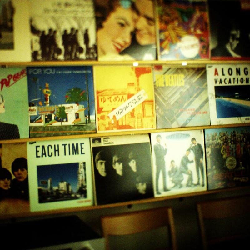 部屋でレコード