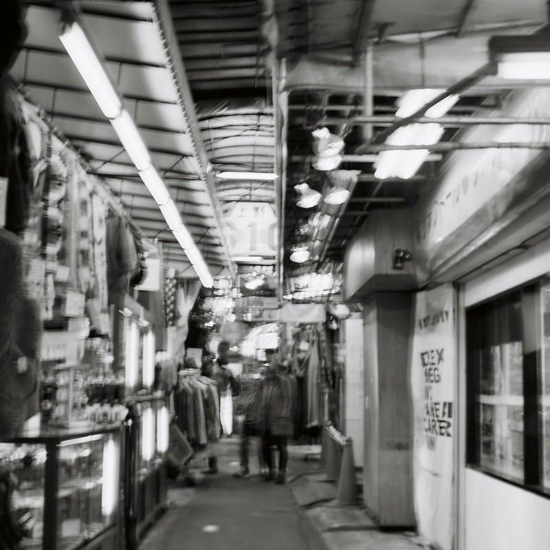 上野アメ横とある路地