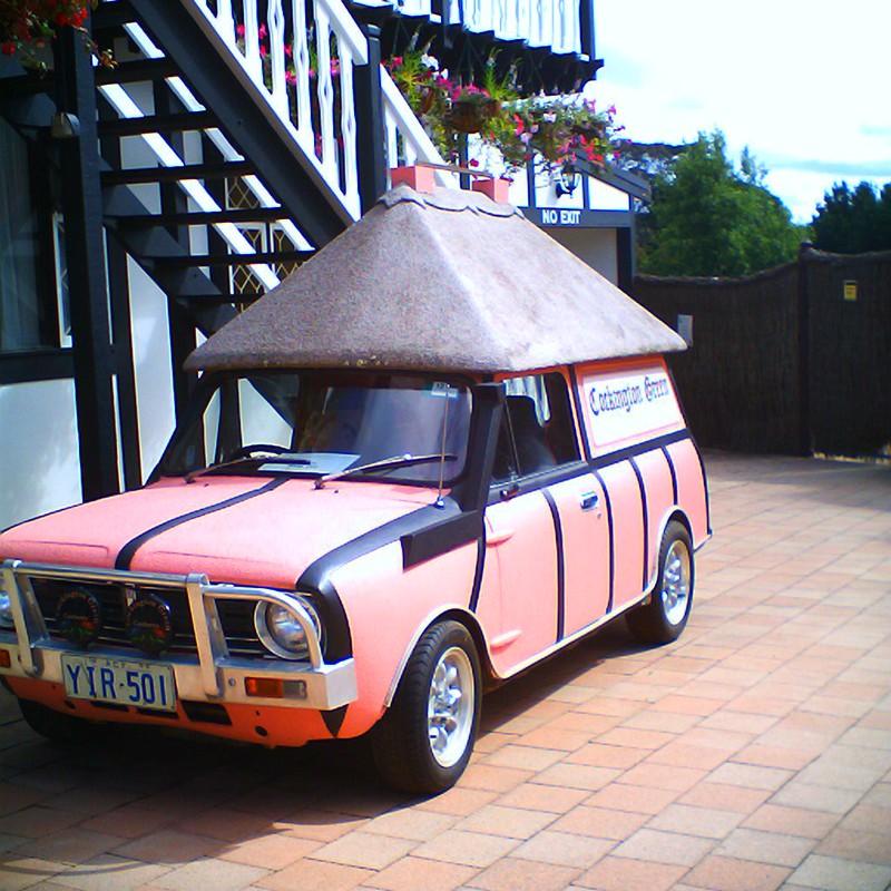 屋根付き車