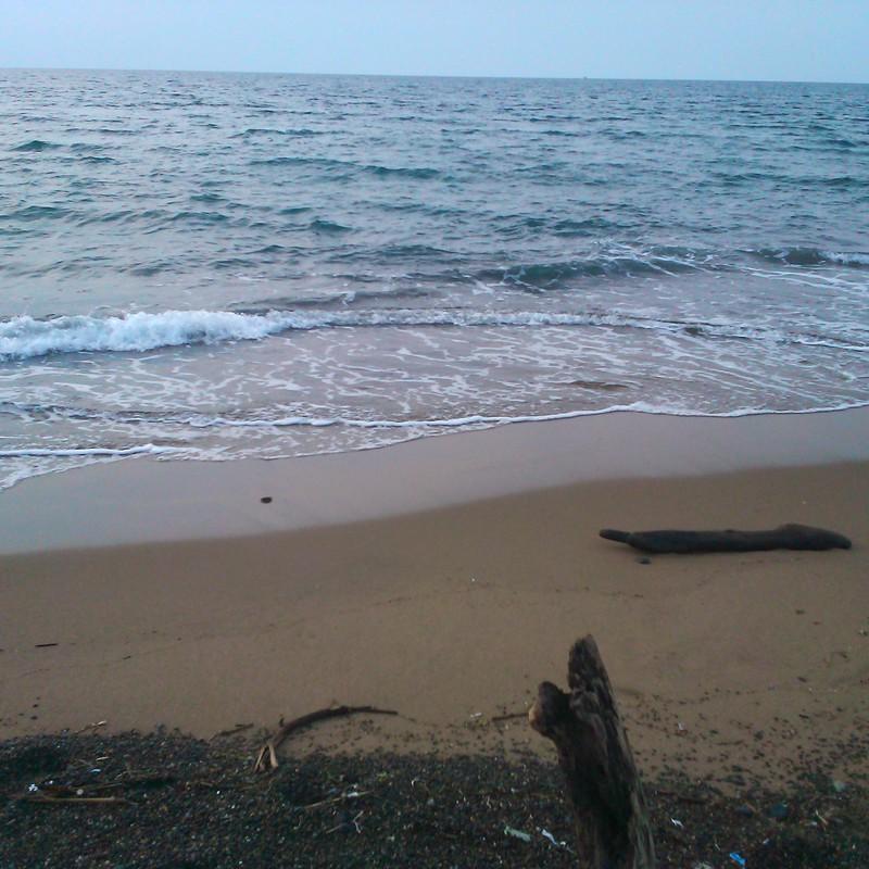 夕暮れ色の海。