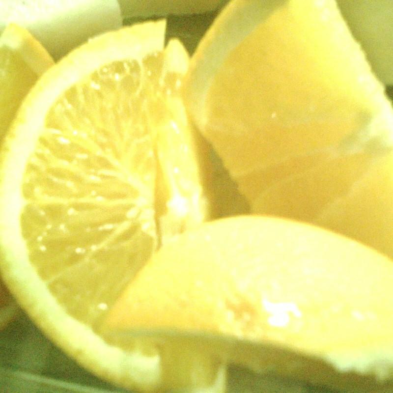 すっぱそうなオレンジ