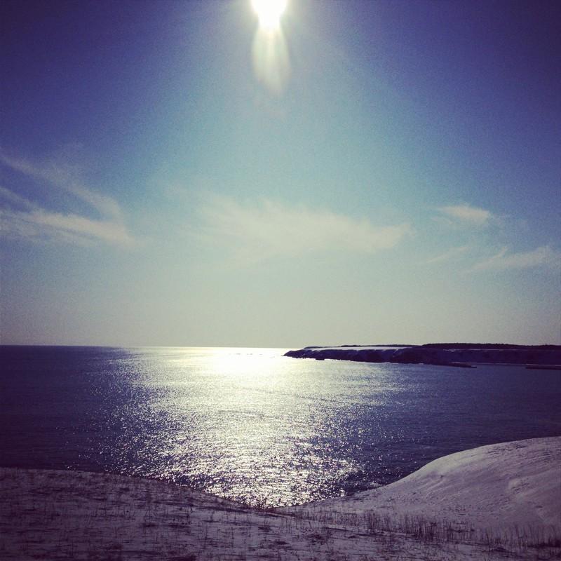空の蒼、海の藍