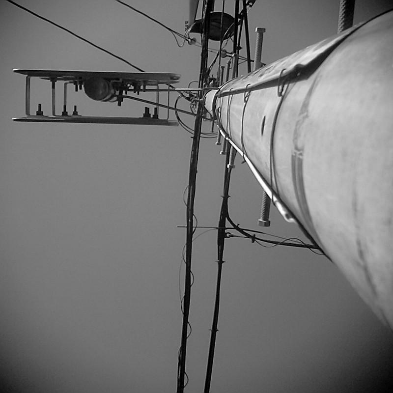 電柱のひこうき。