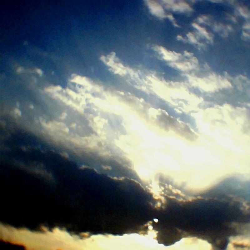 多摩川から見た空