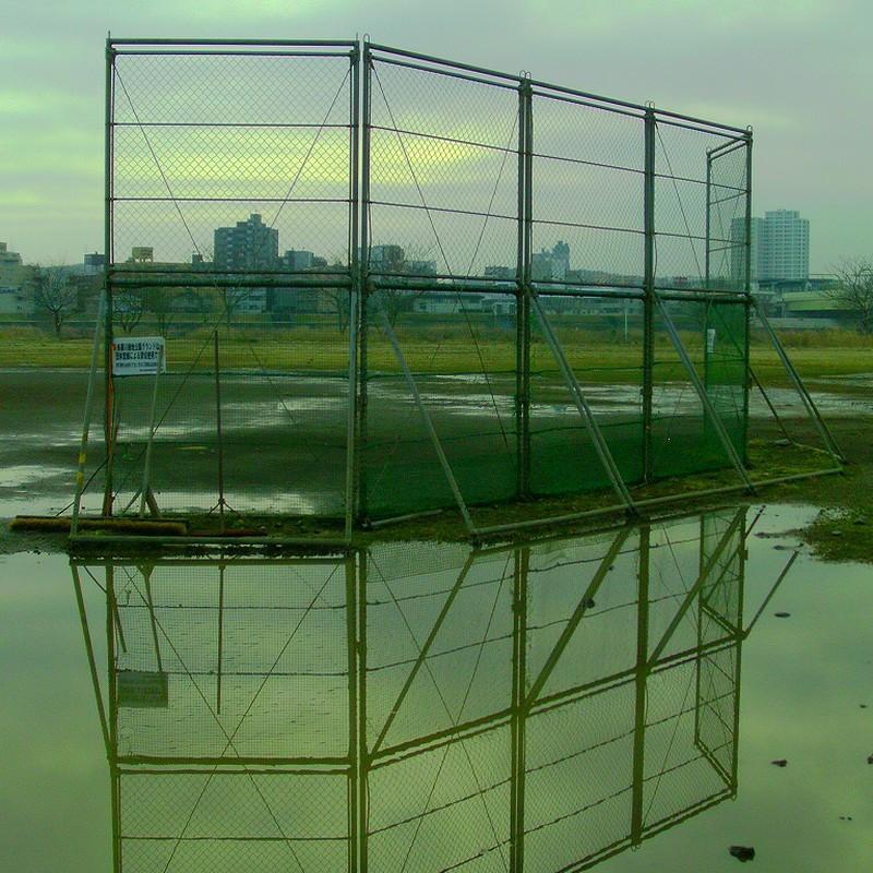 雨上がりの野球場