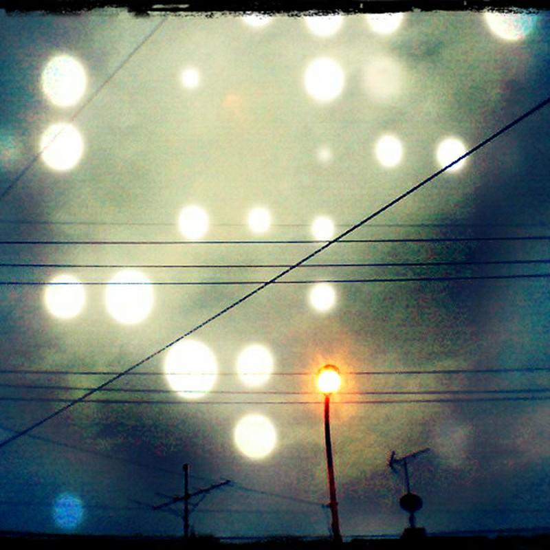 夜明けの電灯