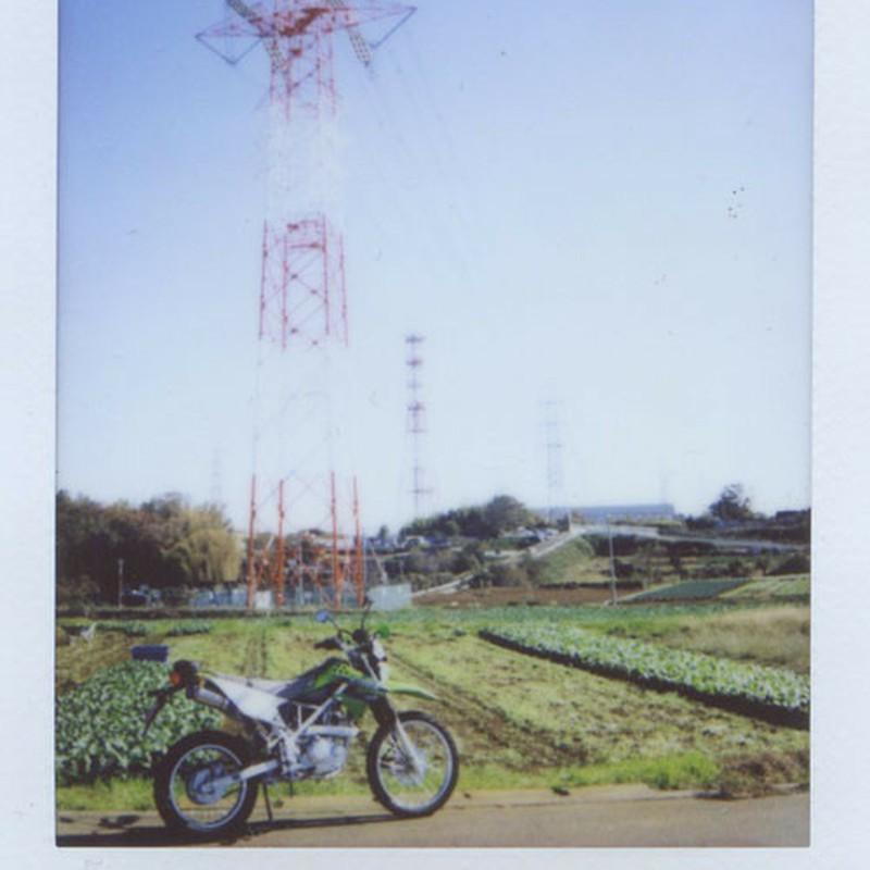 鉄塔、やや白飛び・・・