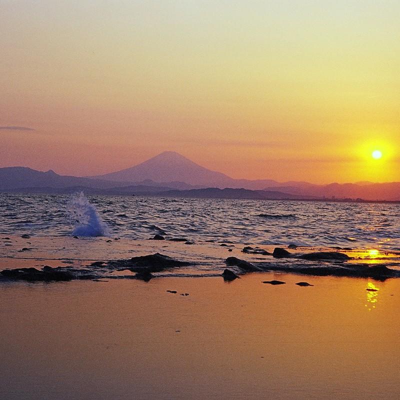 夕日と富士と潮だまり