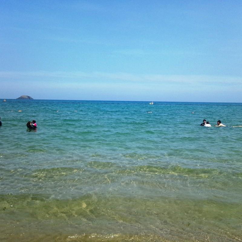 青い海と青い空