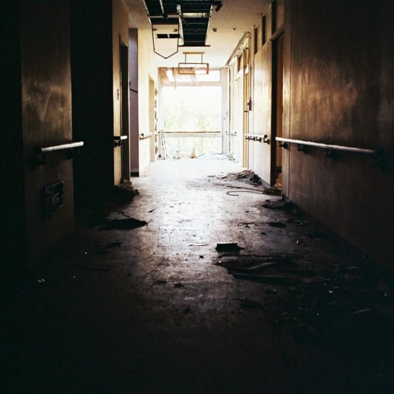 廃 病 院  其の二