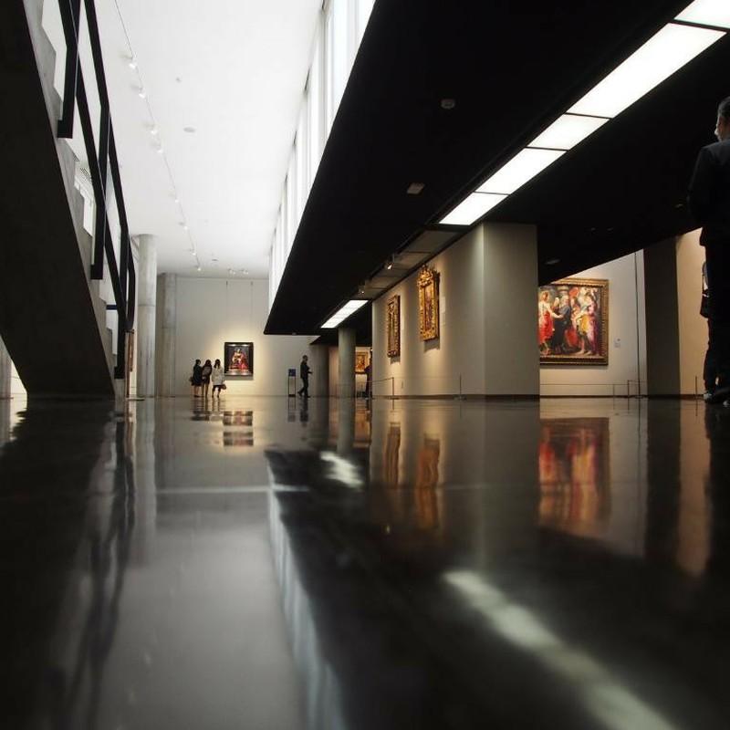 光と影の美術館