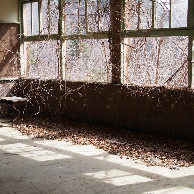 窓際の席。